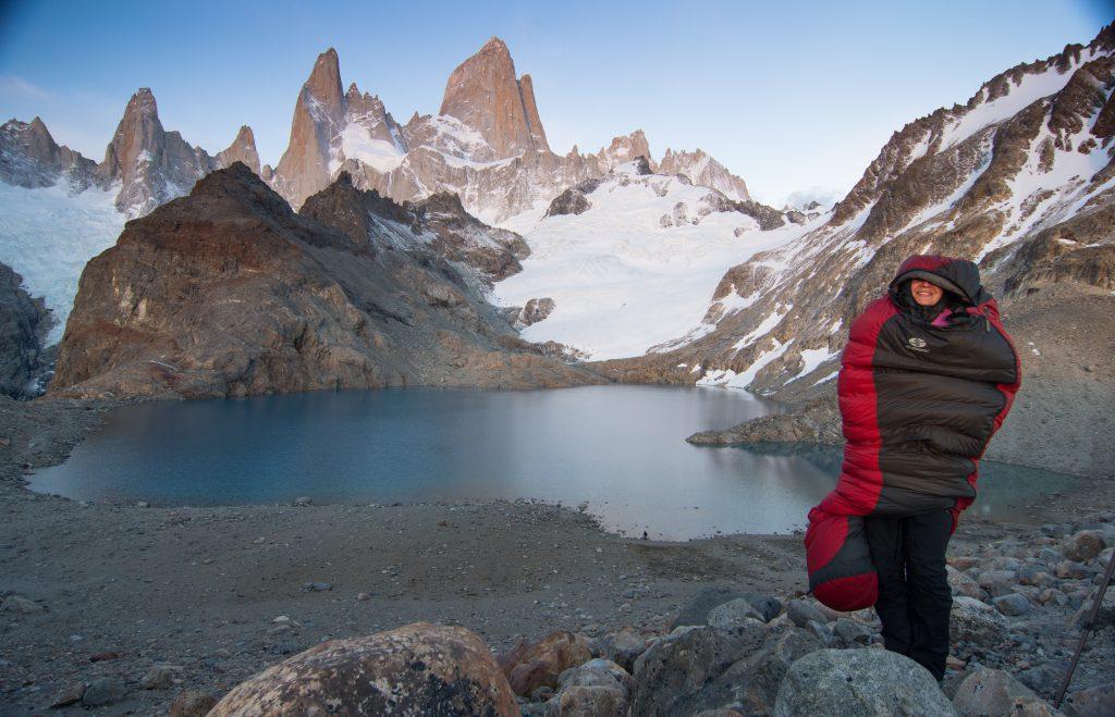 Vynavení na kempování_ péřová spacák Sir Joseph Erratic 1000 pod Fitz Royem v Patagonii
