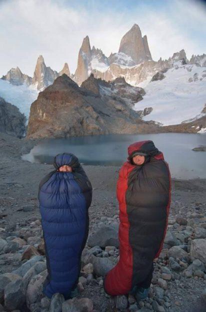 Mrazivý východ Slunce u Fitz Roy v Patagonii ve spacácích od Sir Joseph a Warmpeace