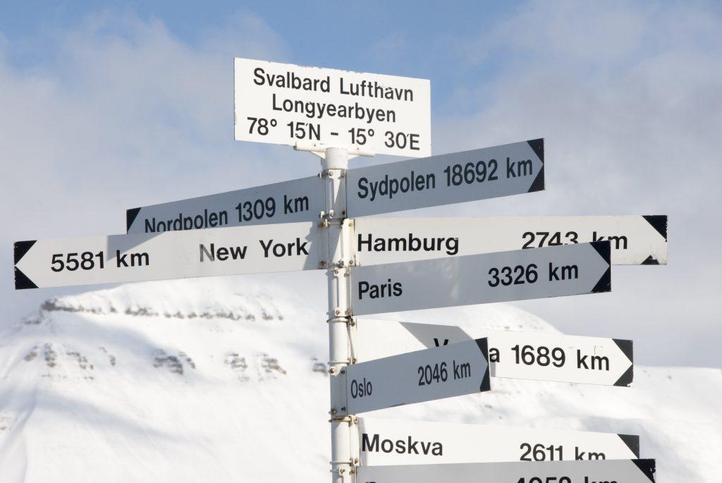 Ze Špicberk je to blízko snad jen do Grónska nebo na severní pól.