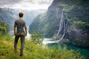 Best day hikes in southern Norway - hike to Skageflå mountain farm in Geiranger