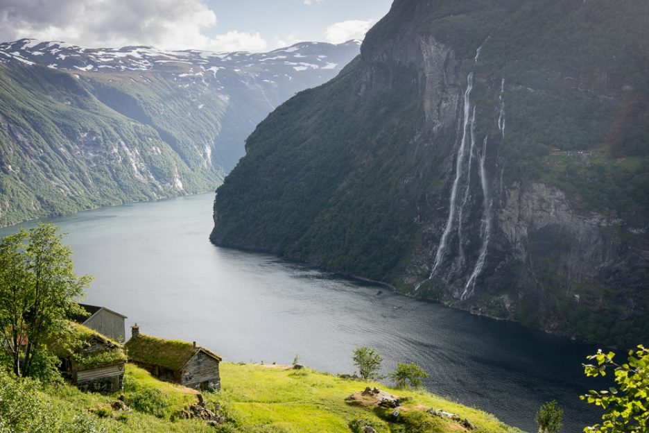 Best hikes in southern Norway: Skageflå mountain farm from above