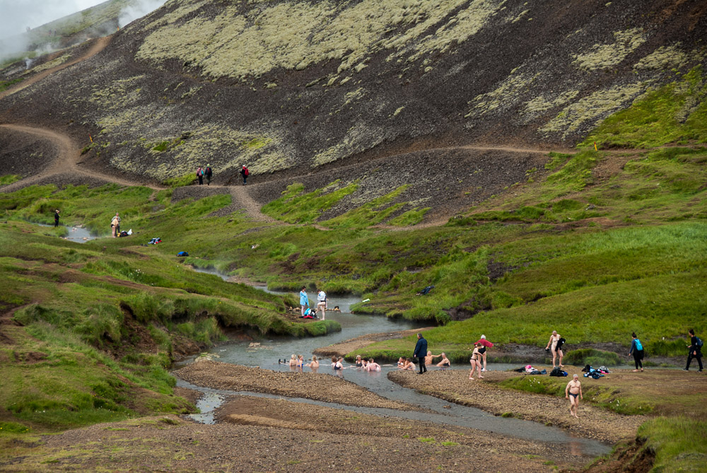 Horké prameny na Islandu údolí Reykjadalur