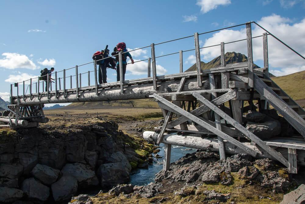 Brodění řek na Laugavegur treku na Islandu