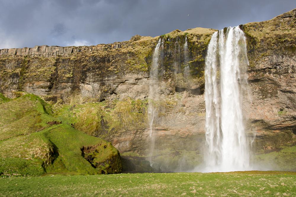Island cestopis: vodopád Seljalansfoss