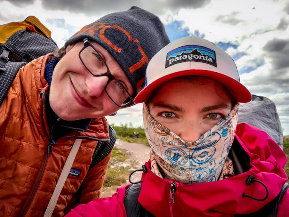 Honza a Zuzka alias Dlouhej špacír při svojí 3200 km dlouhé procházce po evropské dálkové trase E1