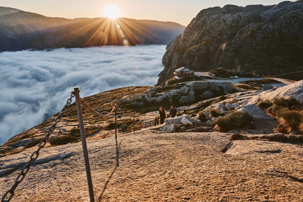 Nejkrásnější norské fjordy: Lysefjord - výstup na Kjeragbolten