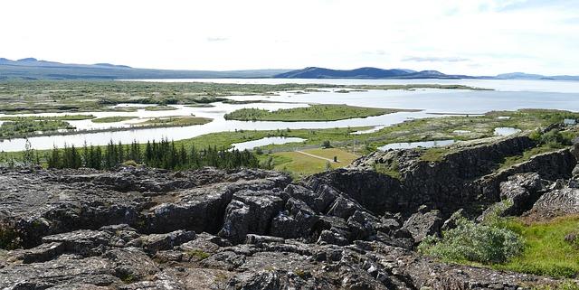 Údolí v národním parku Thingvellir na Islandu