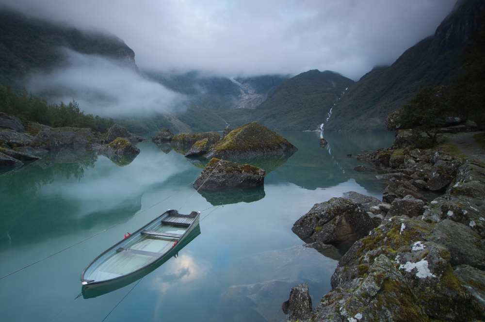 Best hikes in southern Norway - Bondhusvatnet lake