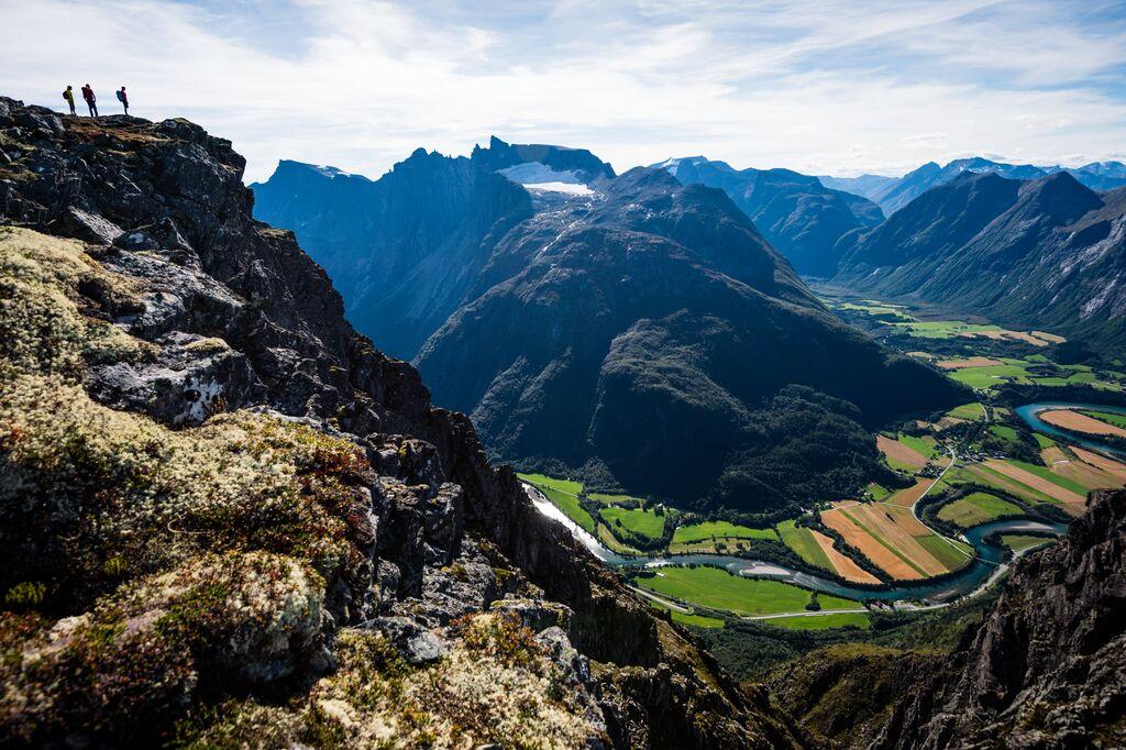 Best hikes in Southern Norway - Romsdalseggen ridge