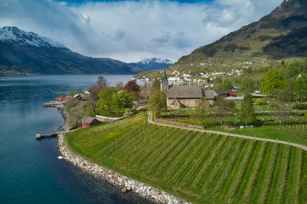 Norsko na jaře: Ovocné sady v okolí Ullensvangu