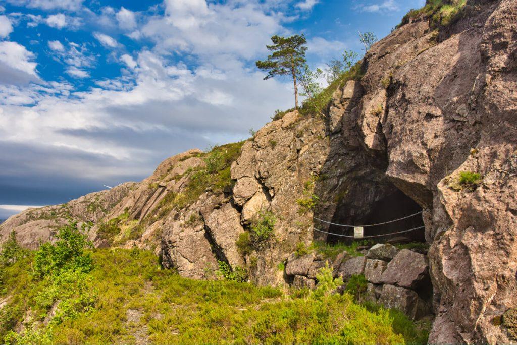 Bývalé titanové doly Blafjell v Magma Geoparku poblíž Eggersundu v jižním Norsku