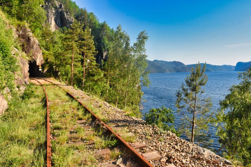 Nádherná krajina v okolí železniční trati Flekkefjordbanen
