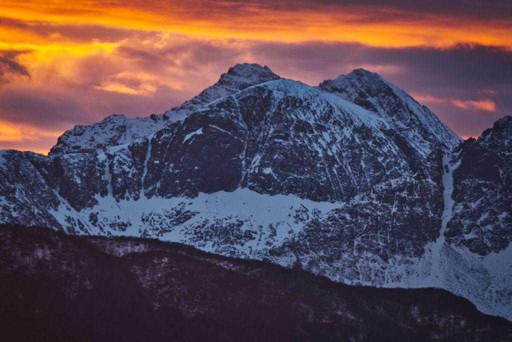 Západ slunce v zimě na severu Norska